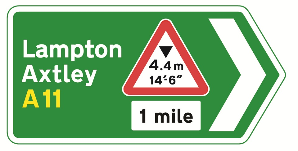 direction-sign-green-at-junction